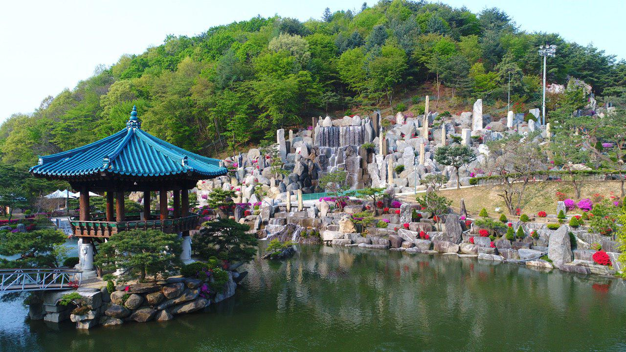 Wolmyeongdong Lake Gazebo Waterfall